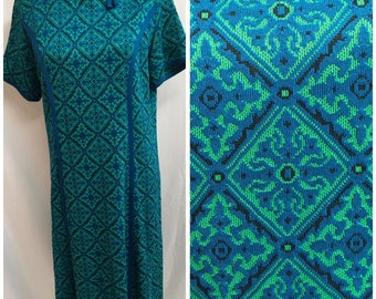 Vintage Blue Green Black Geometric Bow Accent Psychedelic Groovy Op-Art Star Short Sleeve Graphic Art 50s 60s Sheath Dress