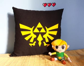 Pillow Triforce Legends of Zelda, Decorative pillow Triforce, Nintendo Pillow, Video games decorative pillow