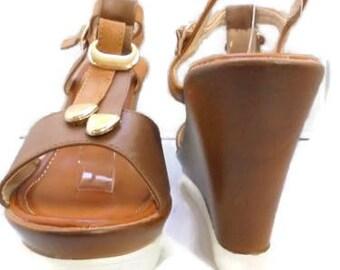 Lady Godiva Size 7.5 Med Style 5577-16 Beige Sandal