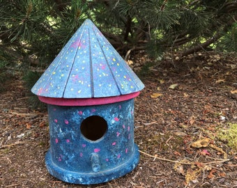 Birdhouse for wren or sparrow