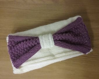 Knitted clutch bag with Contrast Bow