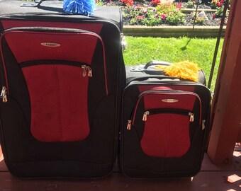 Luggage Pom Poms (set of 3)