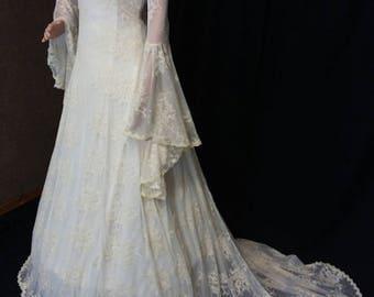 Boho wedding gown, vintage style wedding dress, handfasting, ivory guipure lace dress, elven Wedding dress,