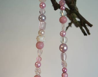 Pink necklace short with glassbeads