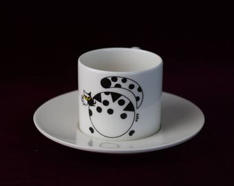 ceramic tea cup - coffee cup with the balloon cat & its bird friend