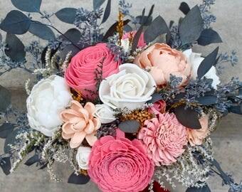 Peach and Pink Sola Bouquet, Bouquet with Eucalyptus, Sola Bridal Bouquet, Romantic Flower Bouquet, Sola Bouquet, Bridal Bouquet, Greenery