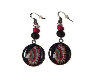 Cabochon earrings Indian head on black background with fuchsia pink and black/gift polaris pearls