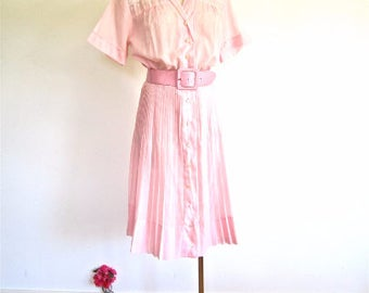 M L 50s 60s Shirt Dress Pleated Skirt Pink Floral Embroidered Shoulders by Carrie Walker Shirtwaist Medium Large