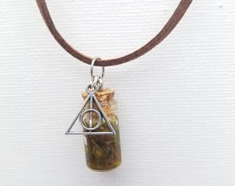 Harry Potter Gillyweed potion necklace
