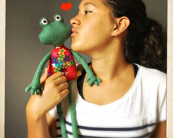 Lady frog with a red dress, mademoiselle grenouille, peluche, doudou