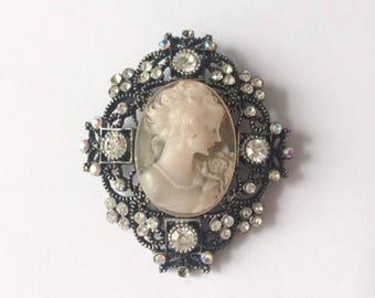 Retro 1950's AAIO Signed Black Glass Cameo Aurora Borealis Rhinestone Filigree Brooch Pin Accessory