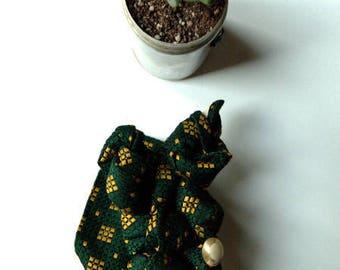 brooch tie the GREEN