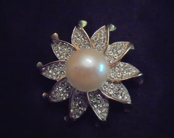 Vintage Sarah Coventry Large Pearl Brooch