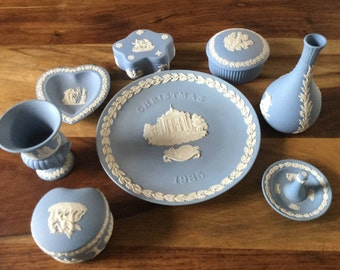 Wedgwood jasper blue & white pottery collectio