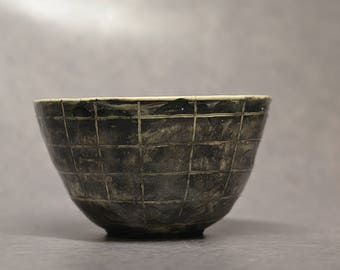 Chequered bowl