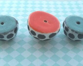 Pearl half circles with dots ceramic