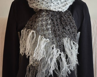 Beautiful Solomon's knot scarf in white, silver and black