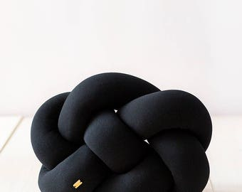 FAT knot cushion - black