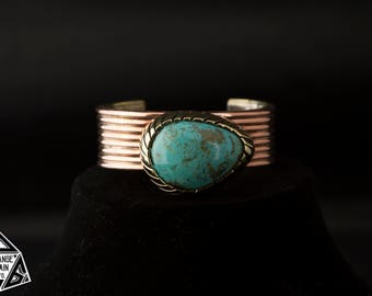 Unique *  Women's * Turquoise Cuff * Turquoise and Copper Cuff * Handmade Turquoise Cuff * Egg Shaped Stone * Large Cabochon * Copper Cuff