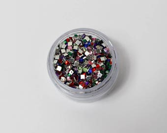 rhinestone square 3mm multicolor coller(environ 1500 strass) has 5gr