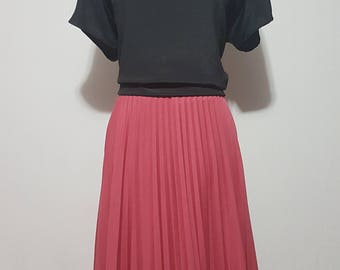 70s rose colored pleated skirt