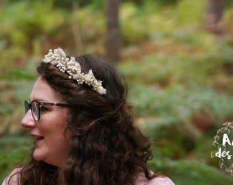 White: Flower head wreath