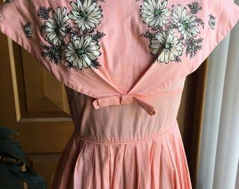 Gorgeous vintage 1950's peach dress with capelet- XS