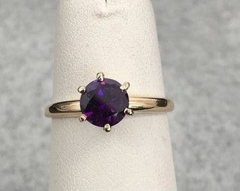 10KT GOLD AMETHYST CZ Ring 1.5ct / size 6