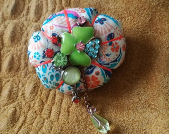 brooch in Liberty fabric