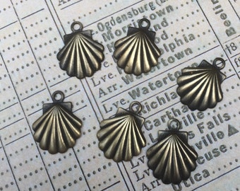 Set of 6 antiqued brass scallop shell charms
