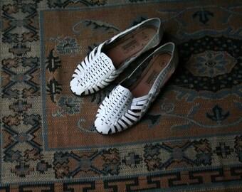 Vintage White Hauraches Sandals US Womens Size 6 Flat Sandals
