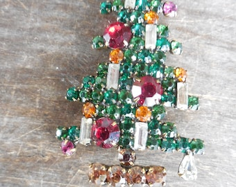 Vintage Signed Weiss 6 Candle Rhinestone Christmas Tree Pin Brooch