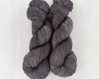FAVE sock: DUSTY PLUM, super wash merino