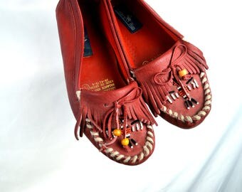 Vintage Hunters Run Moccasins Mocs Beaded Thunderbird Fringe Shoes - Size 7 Wide