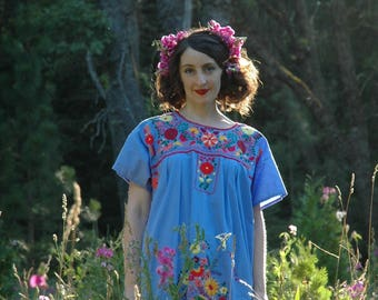 Plus Size / Mexican Dress / Gypsy Dress / Ethnic Dress / Embroidered Dress / Boho Dress / Hippie Dress / Festival Dress