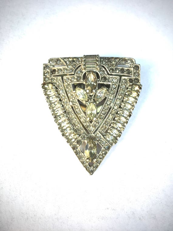 Art Deco large fur clip brooch with clear rhinestones