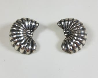 Vintage 1980's Ture Designs 925 Silver Clip on Puffy Shell Earrings