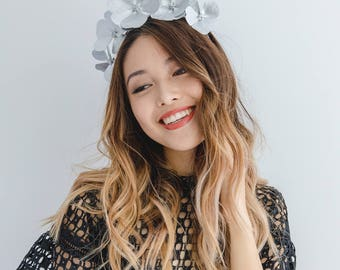 Silver Leather Flower Fascinator // metallic leather flower crown headband / leather flower fascinator / leather spring racing fascinator
