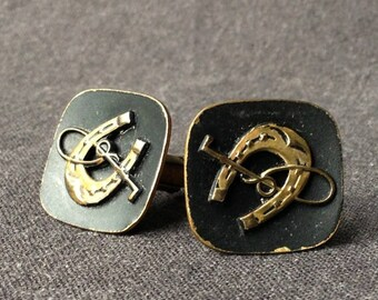 Stunning pair of vintage cufflinks for horseman and riders. Dad's gift idea. Lucky charm present idea for any elegant guys.
