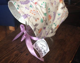 Bonnet- 3-6m White with Purple Flower
