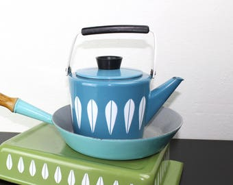 Vintage Cathrineholm Lotus Tea Pot, Deep, Turquoise Blue Enameled Steel, Mid Century Tea Pot Late 1960s Norway, Grete Prytz Kittelson 180095
