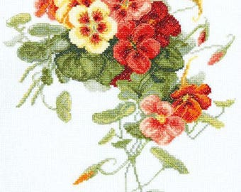 NEW UNOPENED Counted Cross Stitch Kit Charivna Mit BT-081 Nasturtium