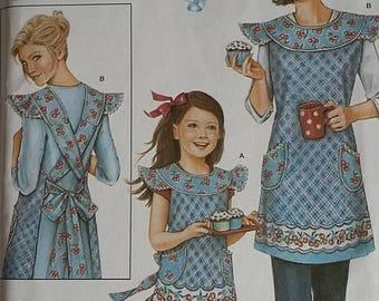 Simplicity 3701 apron pattern sizes girls S-L, ladies S-XL