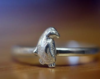 Sterling Silver Penguin Ring, Dainty Polar Bird Ring, Charm Jewelry, Personalized Gift, Cute Wild Animal Jewelry for Men & Women