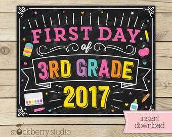 Girl First Day of 3rd Grade Sign - Girl Back to School - 1st Day of 3rd Grade - Girl First Day of School Sign Printable - Third Grade Sign