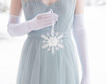 Winter Wedding Single Crystal Snowflake Hanging Bouquet for Bridesmaid or Flower Girl for a Winter Wonderland Wedding - Christmas Wedding