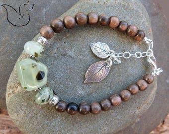 Bracelet argent bois exotique et pierre prehnite breloques feuilles nervurées