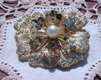 Golden Spray Pearl Center Vintage Floral Brooch Sarah Coventry