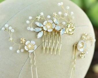 Floral Bridal Hair Comb, Gold Bridal Comb, Floral Leaf Wedding Comb, Gold Bridal Vine, Greek Goddess Wedding, Floral Hair Clips, Bridal Hair