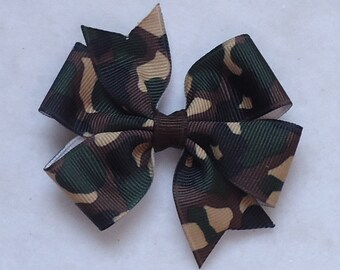 Green Camo Print Hair Bow~Hair Bows for Girls~Small Camo Hair Bow~Camouflage Hair Bow~Toddler Hair Accessories~Hunting Hair Bow~Camo Hairbow
